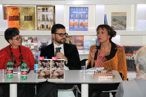 L'autore, Monica Cristina Storini e Vladimir Luxuria in occasione della presentazione di Nell'altro